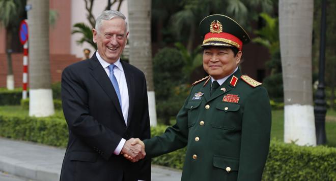 """Bộ trưởng Quốc phòng Mỹ James Mattis: """"Giữa hai quốc gia chúng ta, chúng ta tôn trọng quá khứ"""" 2"""