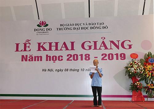 """Cụ ông 85 tuổi ở Hà Nội ngày ngày đạp xe đến giảng đường: """"Tôi đi học với các cháu để thỏa mãn giấc mơ ấp ủ bao năm"""" 2"""