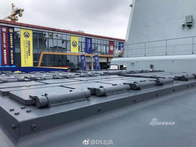 Cận cảnh vũ khí đầy nguy hiểm của Trung Quốc trên khu trục hạm Thâm Quyến 7