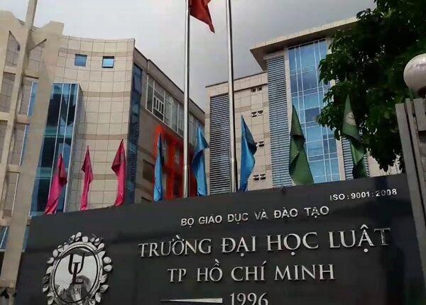 Hình ảnh 71 sinh viên Đại học Luật TP. HCM có thể bị buộc thôi học vì điểm kém số 1