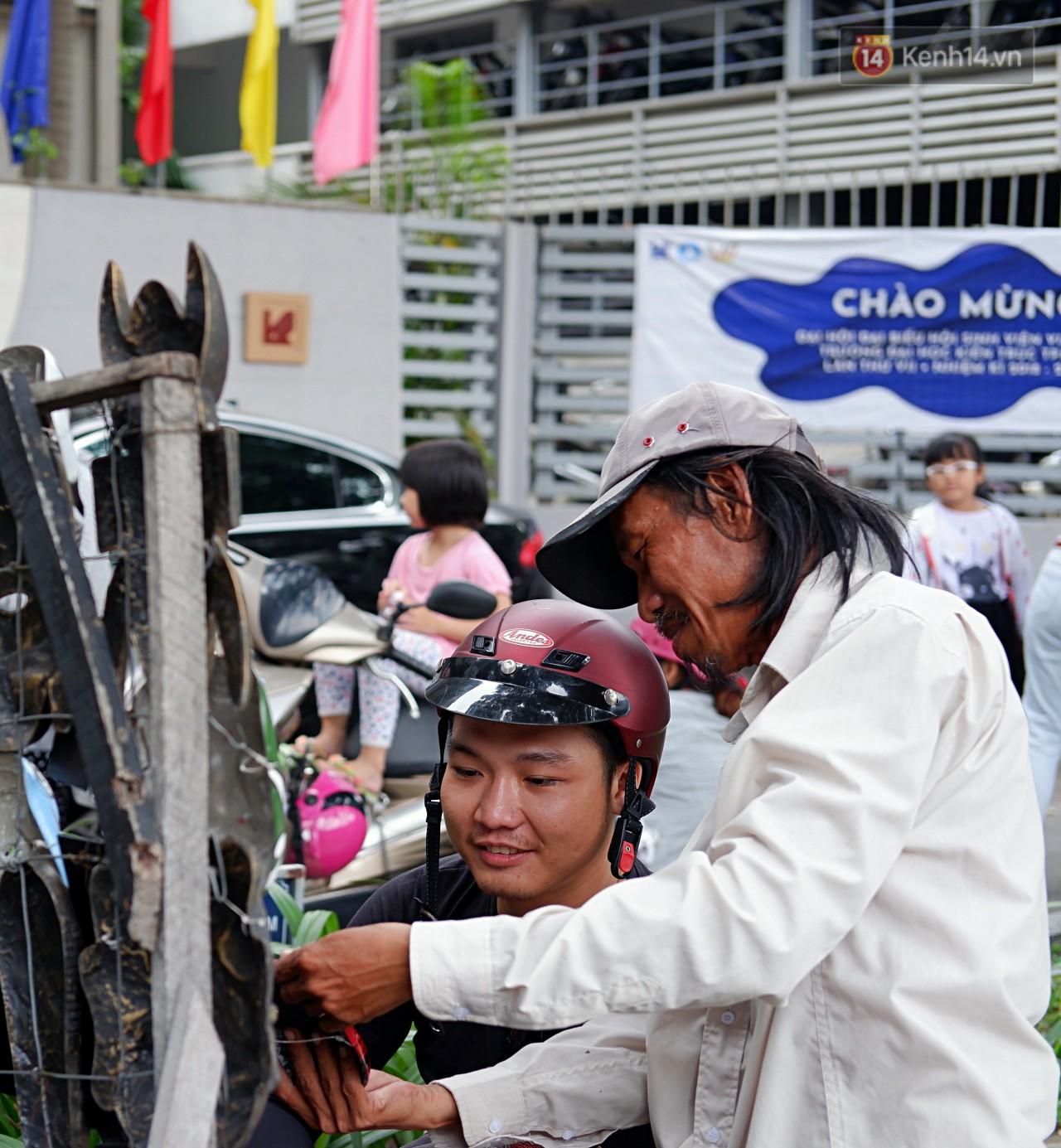 30 năm rong ruổi đường phố Sài Gòn của 'chú Bảy mặt nạ': Từng đạp xe suốt nhiều ngày không bán nổi 1 chiếc! 5
