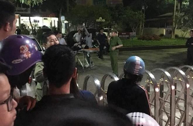 Giang hồ truy sát kinh hoàng trong bệnh viện, cảnh sát nổ súng trấn áp 1