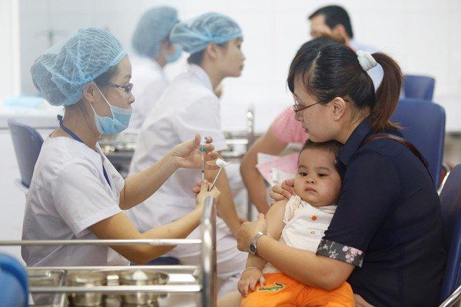 Bộ Y tế mở chiến dịch tiêm chủng miễn phí trước dịch sởi tăng cao 1