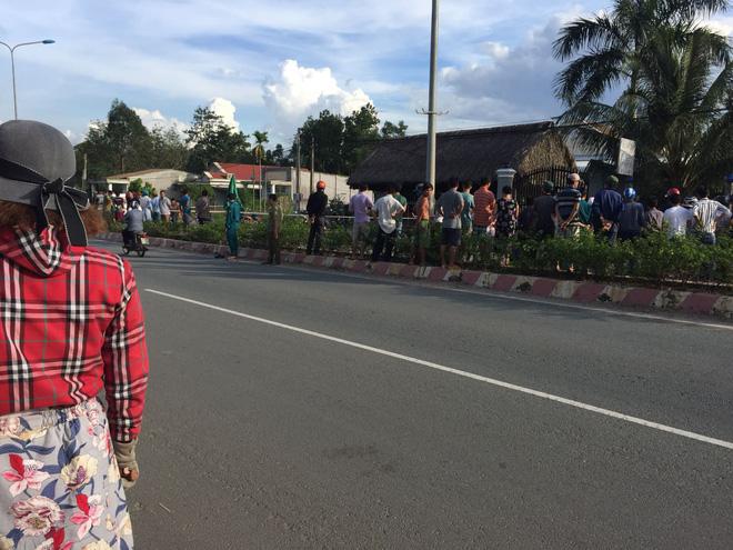 Vụ chủ quán cà phê bị sát hại: Nạn nhân ôm cổ đầy máu chạy ra đường kêu cứu 2