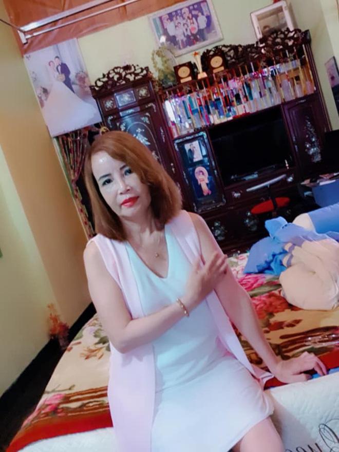 Cô dâu 62 tuổi khoe nhan sắc hoàn chỉnh sau khi tân trang khiến tất cả ngỡ ngàng  3
