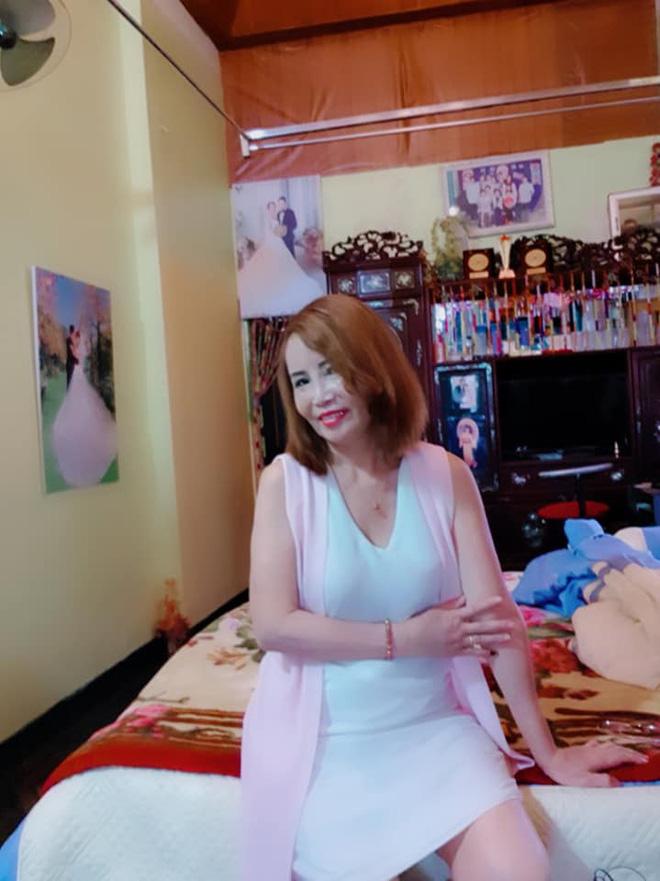 Cô dâu 62 tuổi khoe nhan sắc hoàn chỉnh sau khi tân trang khiến tất cả ngỡ ngàng  4