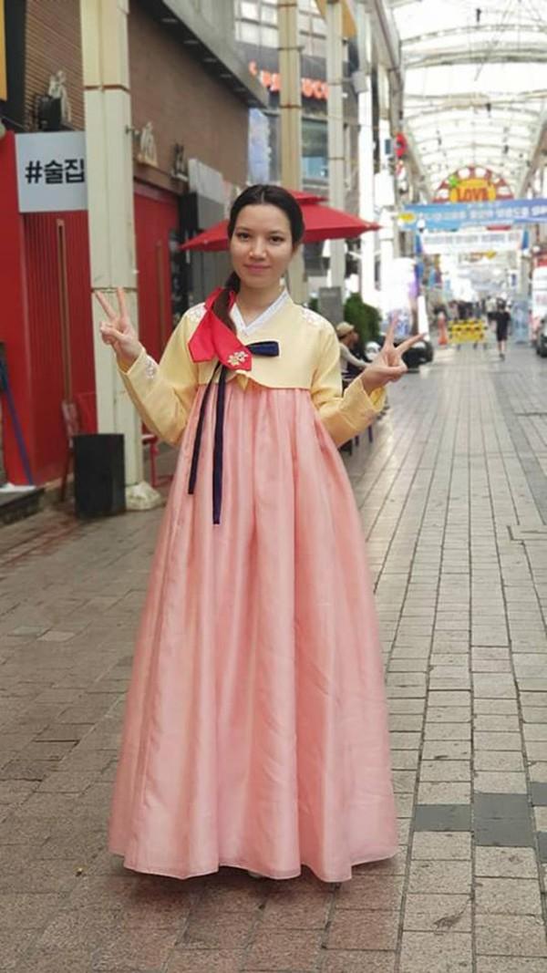 Cô vợ lai Pháp kém 14 tuổi của MC Anh Tuấn: Xinh đẹp, sang chảnh,  đi khắp thế giới 10