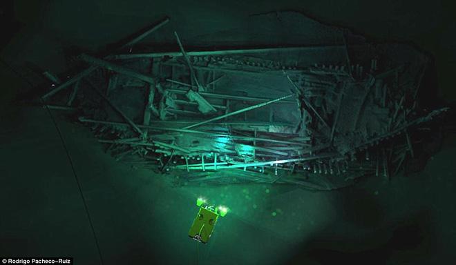 Thám hiểm 'vùng chết' sâu 2.000m ở Biển Đen, phát hiện xác tàu cổ nhất trong lịch sử 10