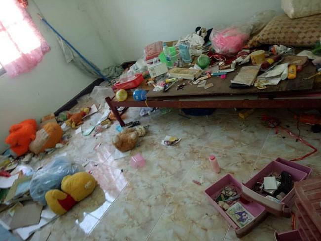 Chủ nhà trọ khóc thét khi nhận lại phòng cho thuê: Bẩn kinh hoàng như bãi rác bỏ hoang, bồn cầu