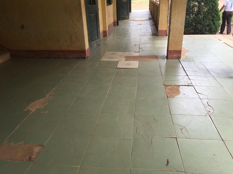 Trường lún và nứt, gần 250 học sinh ở Thanh Hoá nơm nớp lo sợ 1