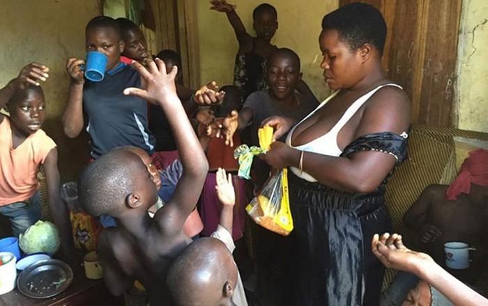 Người phụ nữ mắn đẻ nhất châu Phi: Sinh 44 con trong 18 năm 2