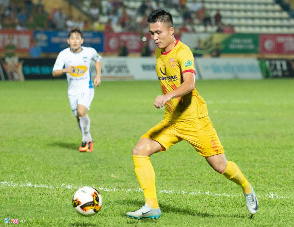 AFF Cup 2018: Hậu vệ Đinh Viết Tú được gọi lên tuyển Việt Nam 1