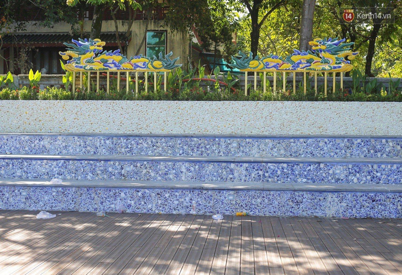 Cầu đi bộ lát gỗ lim 64 tỷ trên sông Hương trở thành địa điểm 'hot' nhất ở Huế dù chưa khánh thành 10