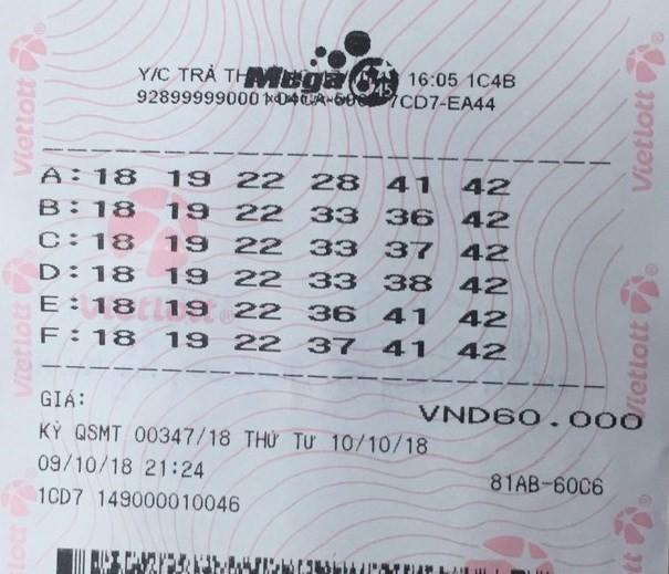 Nữ khách hàng ở Quảng Ninh đến nhận thưởng giải Jackpot 66,6 tỷ đồng 1