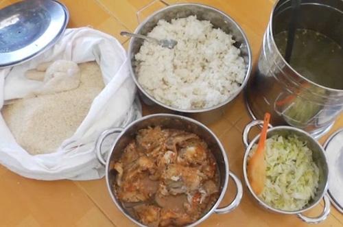 Hình ảnh Kết luận vụ tố trường cho trẻ ăn cơm gạo mốc: Không có chuyện phụ huynh mang đồ bên ngoài vào số 1