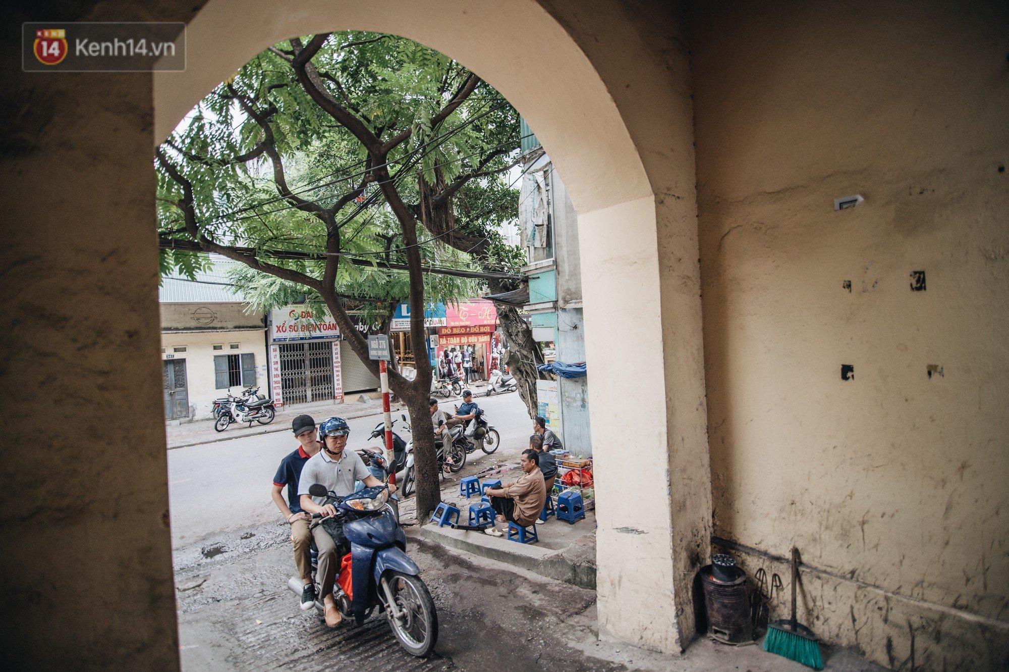 Chuyện về một con phố có nhiều cổng làng nhất Hà Nội: Đưa chân qua cổng phải tôn trọng nếp làng - Ảnh 10.