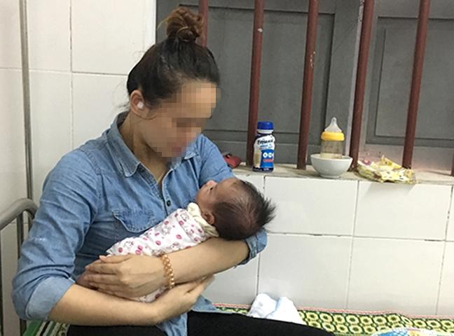 Mẹ trẻ khóc xin nhận lại con trai 2 tháng tuổi sau một tuần bỏ rơi bên lề đường 2