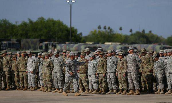 Thế giới 24h: Mỹ sắp triển khai hơn 800 binh sĩ đến sát biên giới Mexico 1
