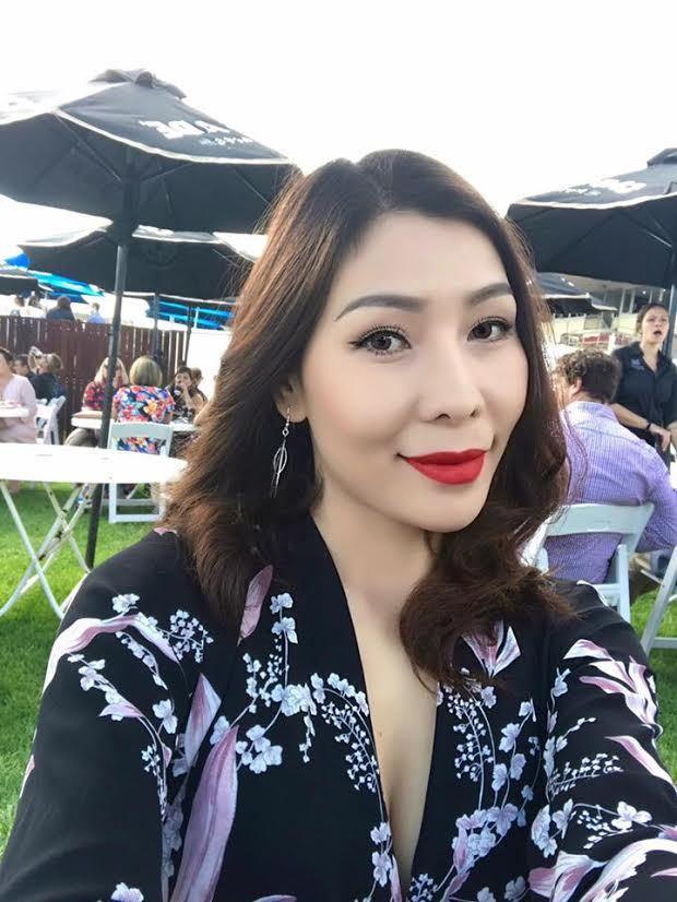 """""""Nữ hoàng tốc độ"""" Vũ Thị Hương đang mang bầu, được chồng Tây tặng nhà triệu đô,  3"""