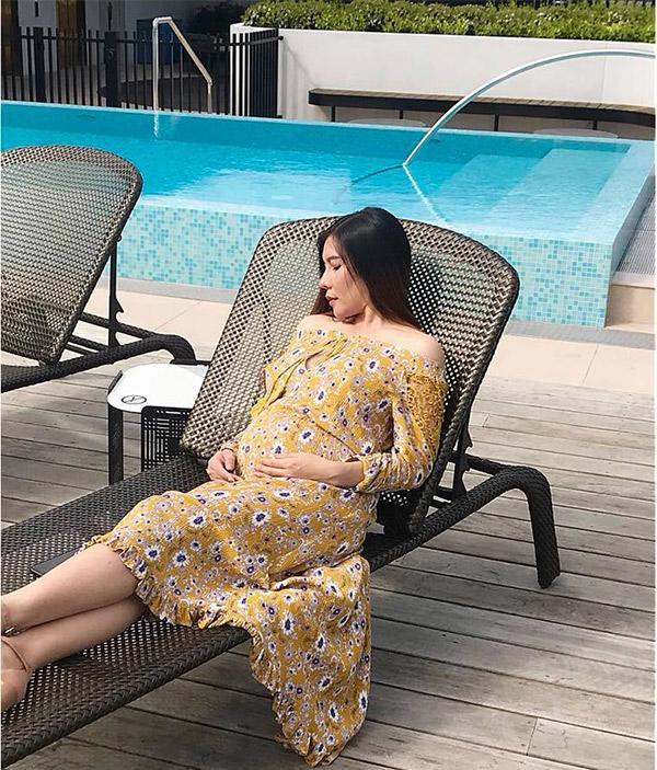 """""""Nữ hoàng tốc độ"""" Vũ Thị Hương đang mang bầu, được chồng Tây tặng nhà triệu đô,  6"""