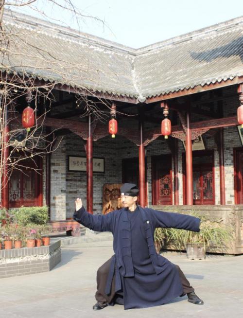 """Bí ẩn hậu duệ Quan Vũ có đao pháp """"xuất quỷ nhập thần"""", không đối thủ ở Trung Quốc 2"""