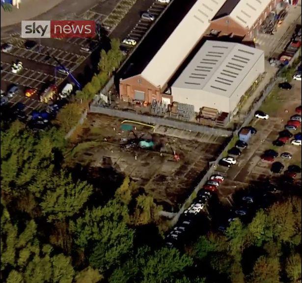 Hành động anh hùng của phi công chở chủ tịch CLB Leicester vào giây phút cuối cùng 3