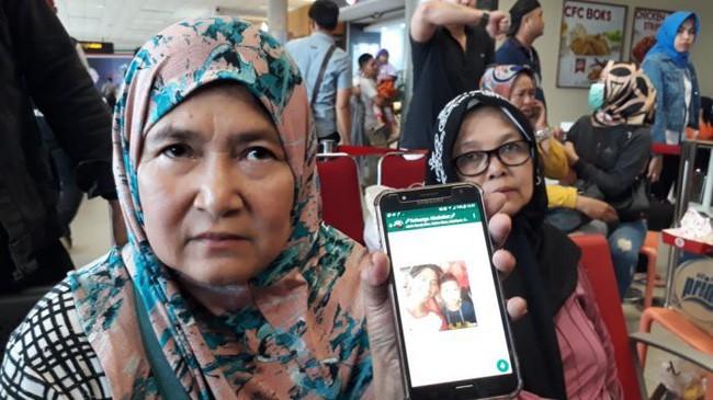 Rơi máy bay Indonesia: Xót xa bức ảnh
