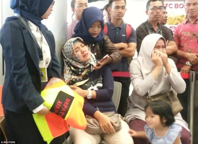 Thực hư về bức ảnh em bé sống sót trên chuyến bay tử thần Lion Air JT 610 được chia sẻ chóng mặt trên mạng 4