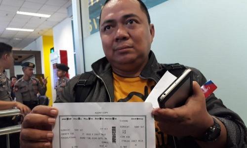 Vụ máy bay Indonesia rơi: Một quan chức thoát chết nhờ tắc đường 1