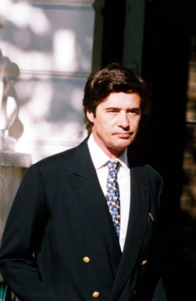 Người hâm mộ choáng váng trước tiết lộ gây sốc về Công nương Diana, từng lén đưa người tình vào trong cung điện - Ảnh 1.