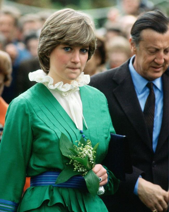 Người hâm mộ choáng váng trước tiết lộ gây sốc về Công nương Diana, từng lén đưa người tình vào trong cung điện 4