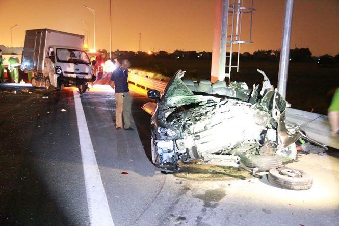 Hình ảnh Tai nạn giao thông thảm khốc trên cao tốc Quảng Ninh - Hải Phòng số 1