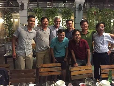 """""""Vị thánh sống"""" từng giúp ĐT Việt Nam lên ngôi AFF Cup 2008 giờ đang làm gì? 5"""