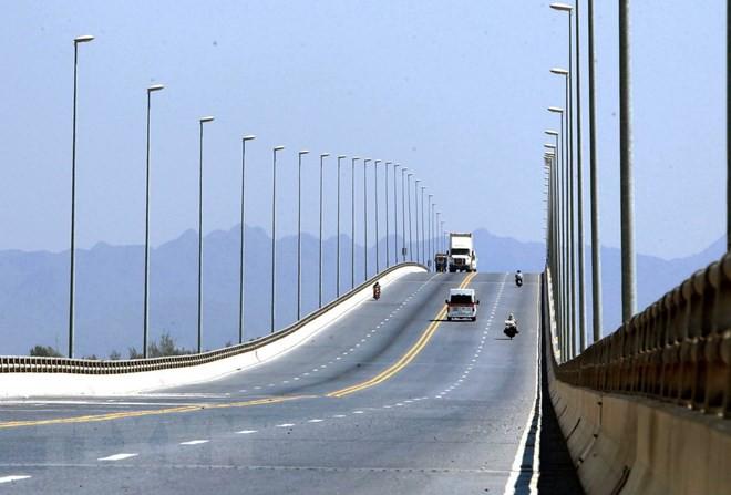 Cận cảnh cầu vượt biển dài nhất Việt Nam tại Hải Phòng - Ảnh 2.