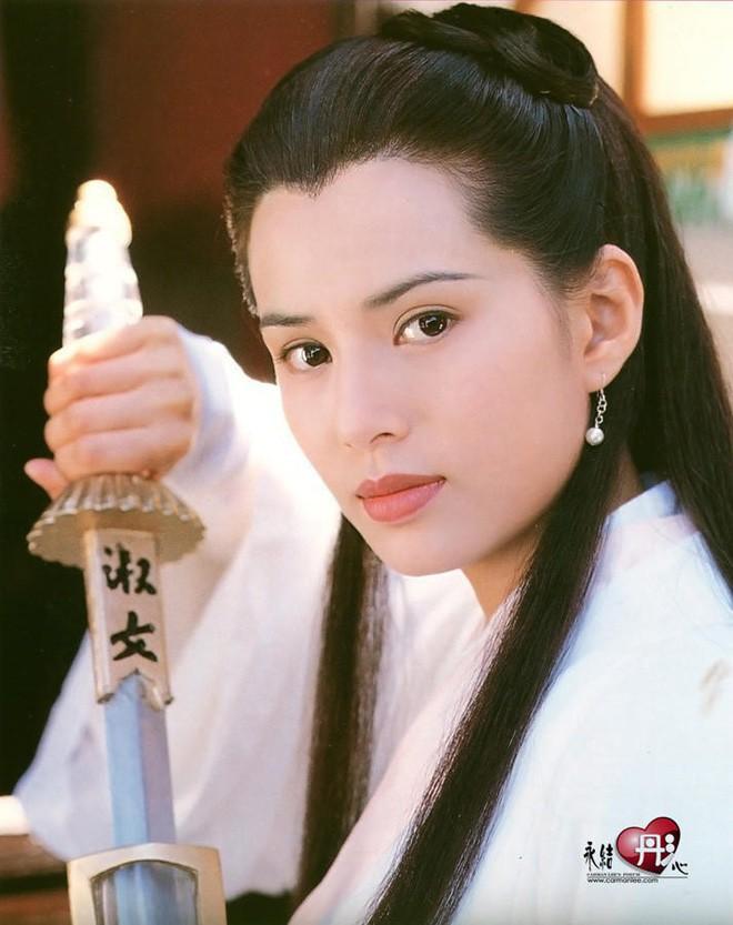 Phận đời mỹ nhân thành danh từ phim kiếm hiệp Kim Dung: Người hạnh phúc trong vòng tay đại gia, kẻ khổ đau tự tử vì tình 11