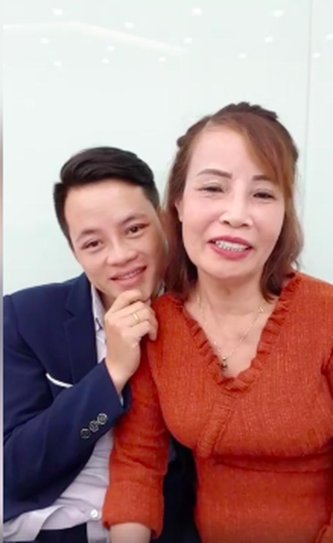 Cô dâu 62 tuổi tiếp tục chi hơn 200 triệu để làm răng sau khi căng da mặt cho xứng đôi với chồng trẻ 3