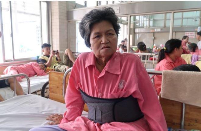 Lời kể của bà cụ 62 tuổi bị tài xế Innova vờ chở đi cấp cứu rồi đạp xuống đường vắng 1