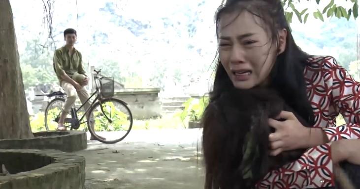Hình ảnh Quỳnh Búp bê tập 24: Tìm được Lan, Quỳnh thất thần khi thấy chị phát điên, ôm khóc nghẹn cả tiếng số 6
