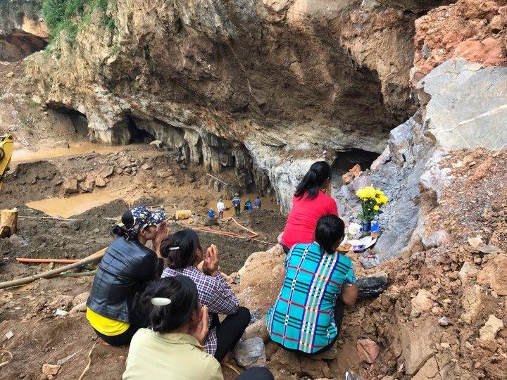 Vụ sập hầm vàng ở Hòa Bình: Người thân đã chuẩn bị phương án xấu nhất 3