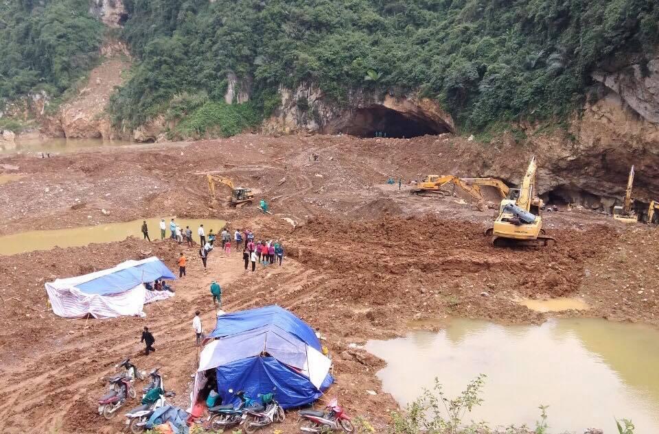 Vụ sập hầm vàng ở Hòa Bình: Người thân đã chuẩn bị phương án xấu nhất 4