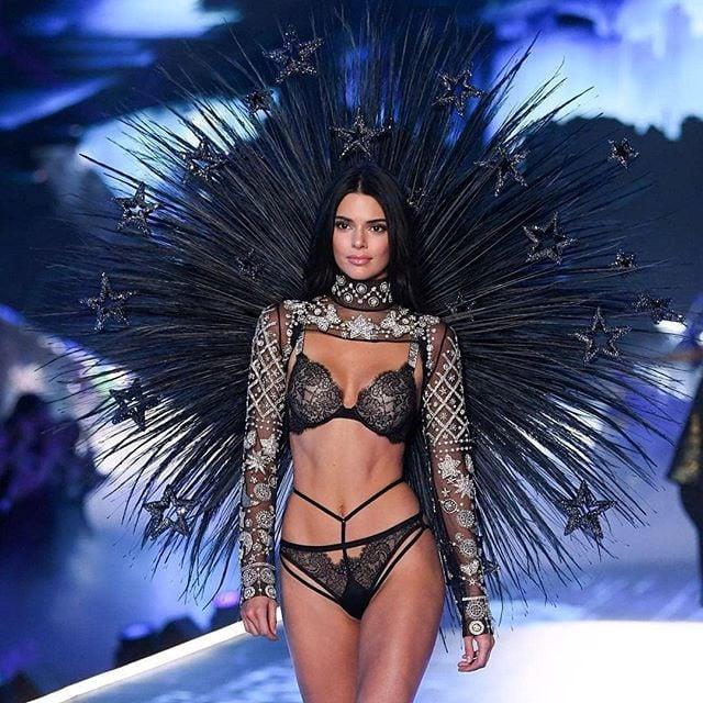 Hình ảnh Những hình ảnh của Victoria's Secret Fashion Show 2018 khiến các fan hâm mộ