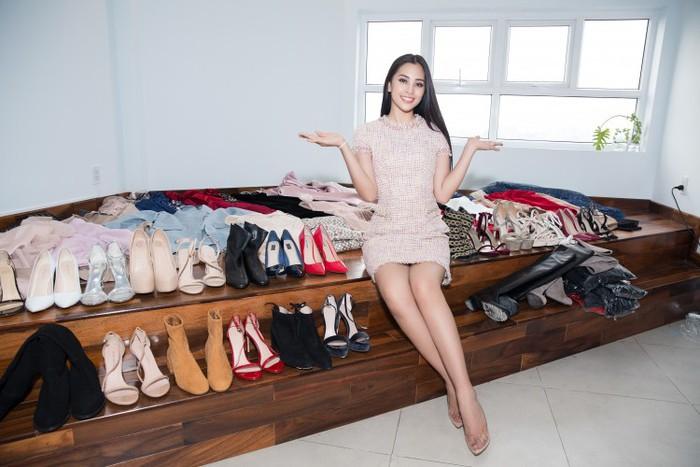 Hình ảnh Hoa hậu Tiểu Vy khiến dân tình hoa mắt vì số lượng váy áo mang đi chinh chiến đấu trường quốc tế số 7