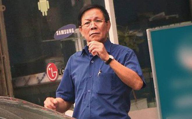 Hình ảnh Cựu Trung tướng Phan Văn Vĩnh bị cảnh sát áp giải về trại giam số 1