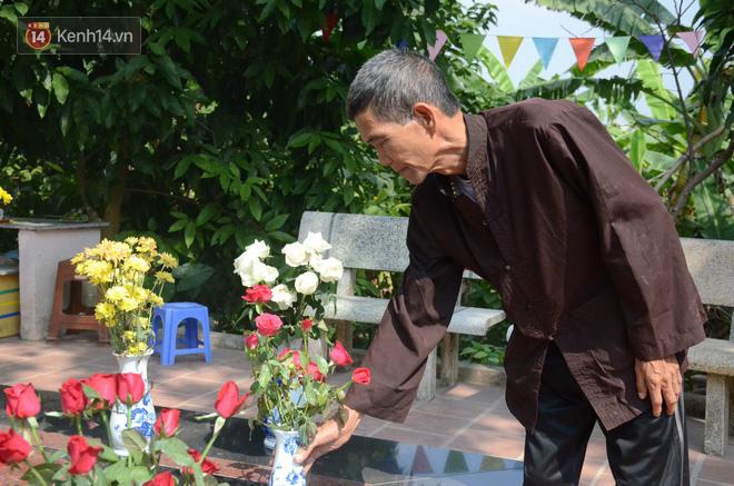 Những câu chuyện đau lòng quanh 5 ngôi mộ vô danh và miếu thờ 2 cô gái chết trẻ ở bãi sông Hồng - Ảnh 5.