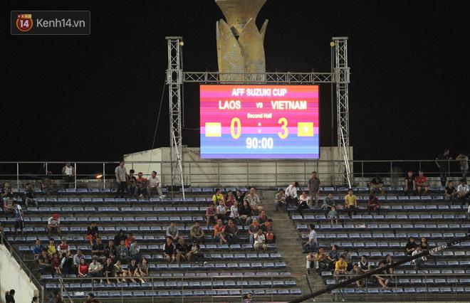 Đây mới là lý do khiến cầu thủ Lào chạnh lòng sau trận thua Việt Nam ở AFF Cup 2018 - Ảnh 10.