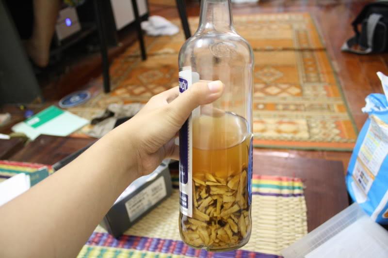 Hình ảnh Tự ý ngâm rượu rễ cây, nấm độc uống: 15 người tử vong số 1