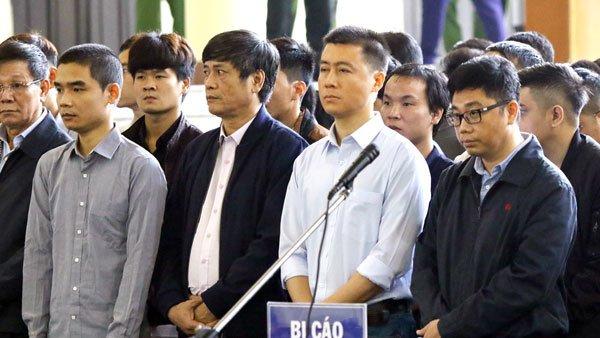 Xét xử Phan Văn Vĩnh: Tiết lộ bất ngờ về bị cáo đang bỏ trốn Hoàng Thành Trung 1
