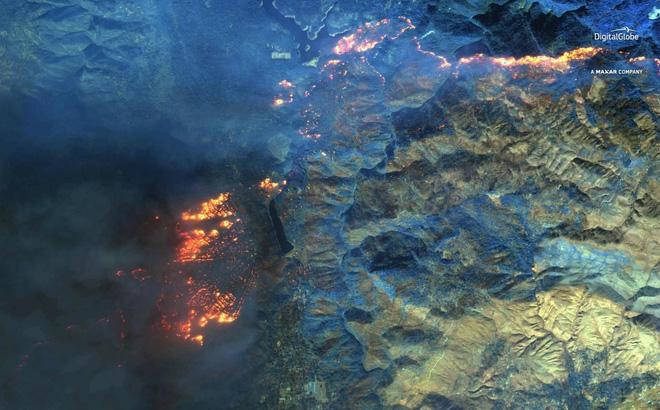 Cháy rừng ở California: Khói bụi lan xa gần 5.000 km, tới bờ Đông nước Mỹ 1