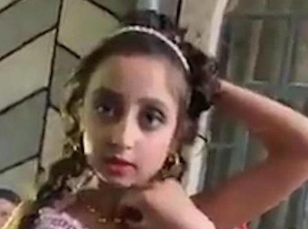 Hy hữu: Cô dâu 8 tuổi, chú rể 10 tuổi kết hôn ở Rumani 1
