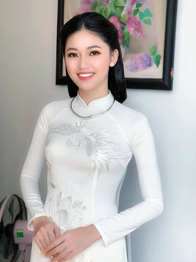 Rò rỉ hình ảnh bên trong lễ ăn hỏi kín đáo của Á hậu Thanh Tú với đại gia U40 3